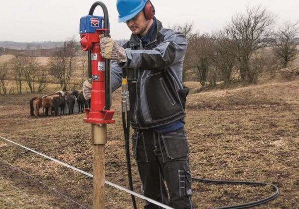Hycon-hpd-håndholdt-hydraulisk-pælehammer-job-pæl til hegn